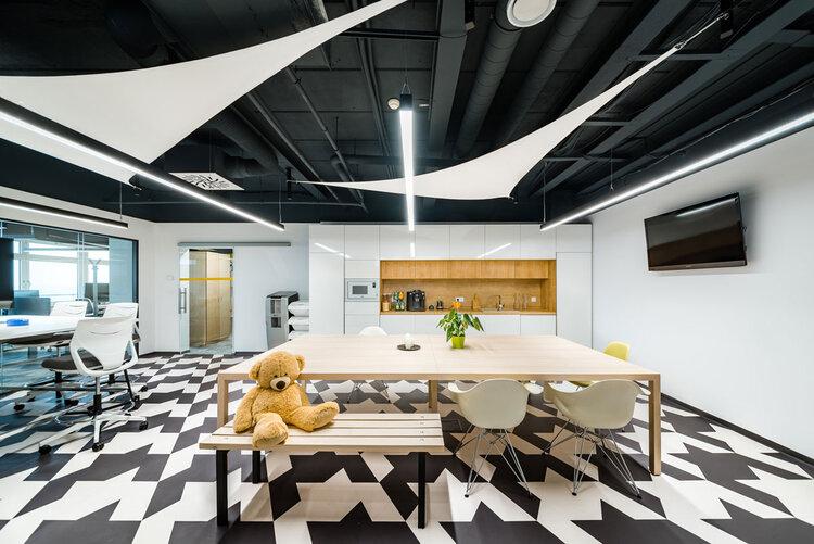 Jedáleň a coworkingovej firmy v kancelarii SAS