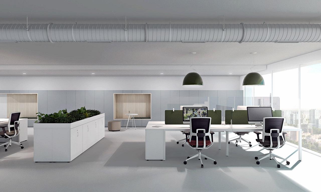 vizualizacia modernej kancelrie s ochrannymi predelovacimi panelmi