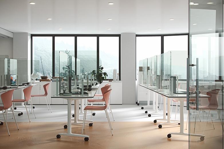 mobilne stoly trama na kolieskach s krycimi panelmi na vizualizacii