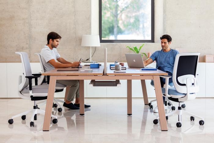 Servis po kúpe kancelárskeho nábytku a zariadenia je súčasťou prvotnej služby